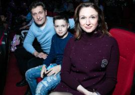 Олег Масленников-Войтов на премьере с семьей