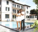 Андреа Бочелли (Andrea Bocelli) с женой Вероникой Берти (Veronica Berti) / © Souran5 / flickr