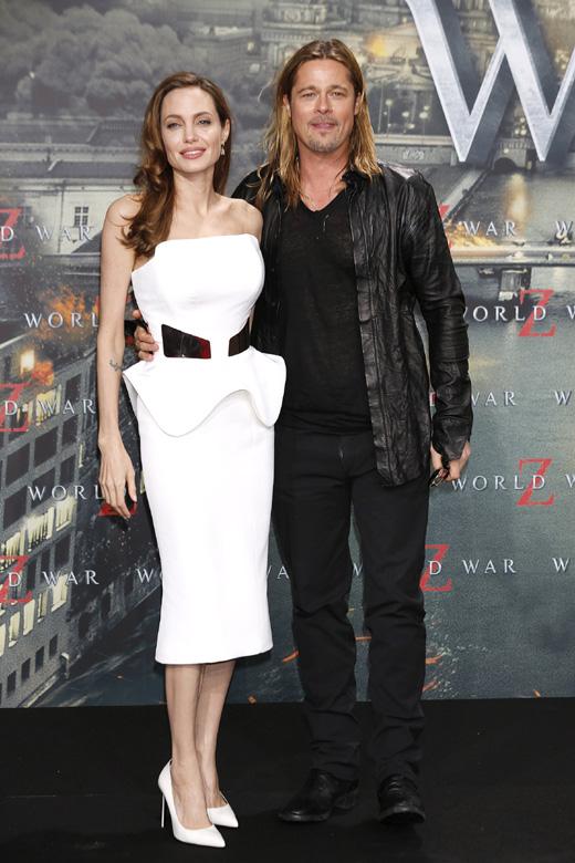 Анджелина Джоли (Angelina Jolie) и Брэд Питт (Brad Pitt) / Joe Seer / Shutterstock.com