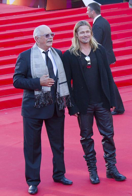 Режиссер Никита Михалков и актер Брэд Питт (Brad Pitt) / cinemafestival / Shutterstock.com