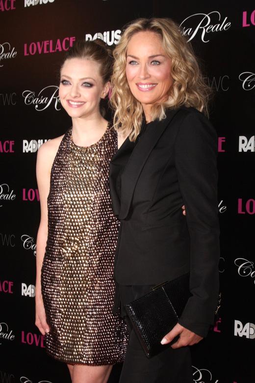 Аманда Сейфрид (Amanda Seyfried) и Шэрон Стоун (Sharon Stone) / Helga Esteb / Shutterstock.com