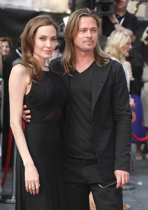 Анджелина Джоли (Angelina Jolie) и Брэд Питт (Brad Pitt) / Featureflash / Shutterstock.com