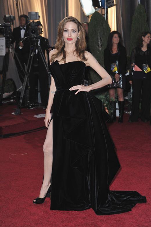 Актриса Анджелина Джоли (Angelina Jolie) / Featureflash / Shutterstock.com