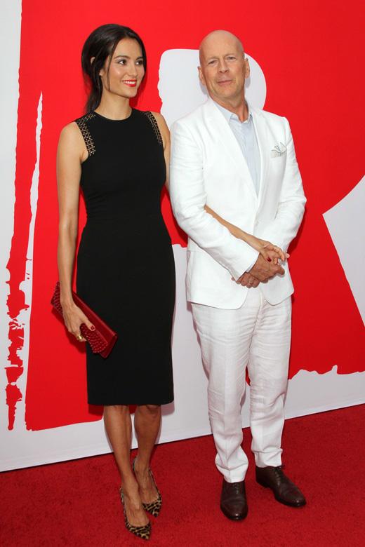 Брюс Уиллис (Bruce Willis) и его жена Эмма Хеминг (Emma Heming) / s_bukley / Shutterstock.com