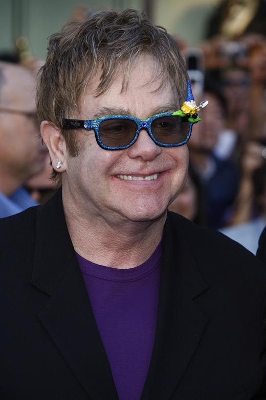 Элтон Джон (Elton John) / Joe Seer / Shutterstock.com