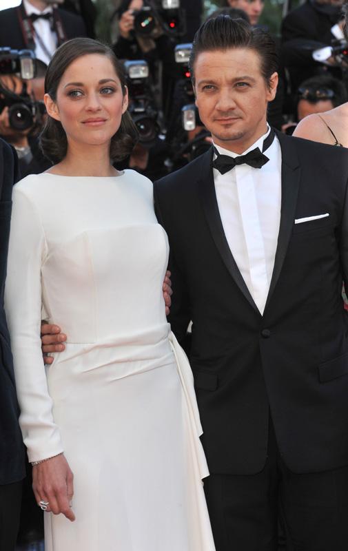 Актер Джереми Реннер (Jeremy Renner) и актриса Марион Котийяр (Marion Cotillard) / Featureflash / Shutterstock.com
