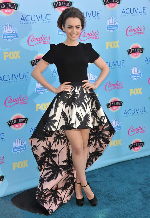 Лили Коллинз (Lily Collins) / Featureflash / Shutterstock.com