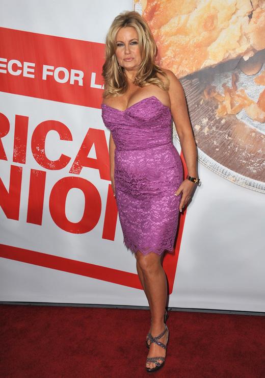 Актриса Дженнифер Кулидж (Jennifer Coolidge) / Featureflash / Shutterstock.com