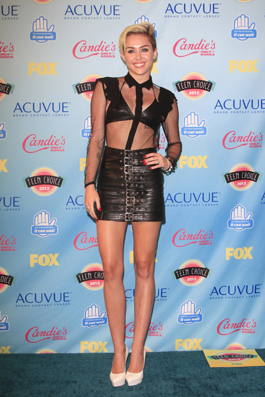 Майли Сайрус (Miley Cyrus) / Joe Seer / Shutterstock.com