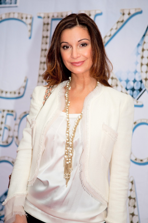 Певица Ольга Орлова / magicinfoto / Shutterstock.com
