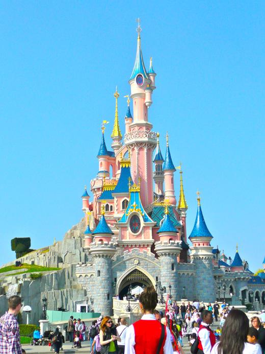 Замок Уолта Диснея (Walt Disney) в «Диснейленде» Парижа, Франция / © Depositphotos.com / Anton Ivanov