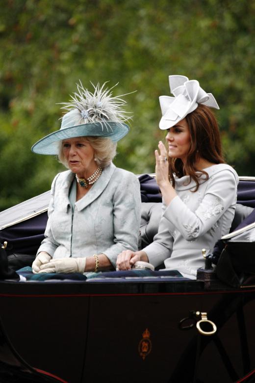 Герцогиня Корнуольская Камилла (Duchess of Cornwall Camilla) и  Герцогиня Кембриджская Кэтрин (Duchess Of Cambridge Catherine) / © Depositphotos.com / anizza