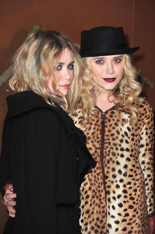 Мэри-Кейт (Mary-Kate Olsen) и Эшли Олсен (Ashley Olsen) / © Everett Collection / Shutterstock.com