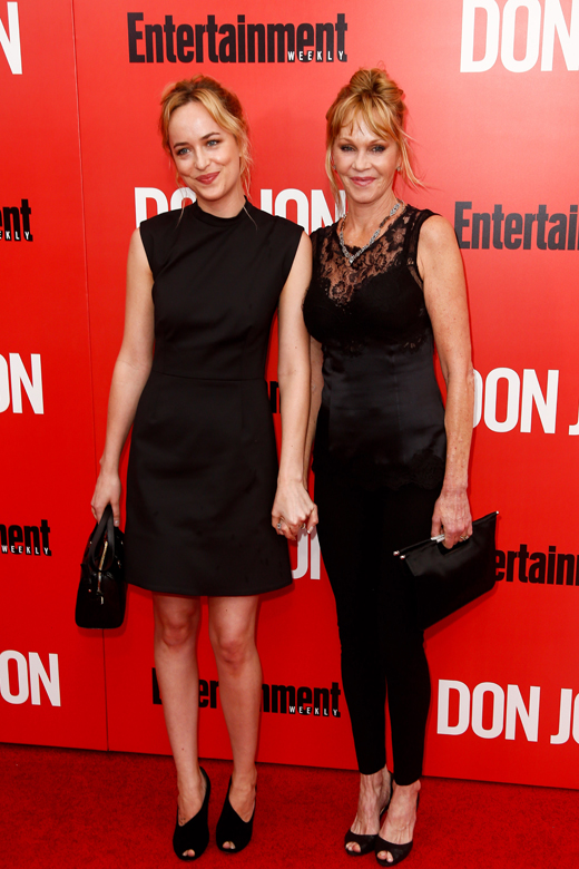 Дакота Джонсон (Dakota Johnson) и Мелани Гриффит (Melanie Griffith) / © Debby Wong / Shutterstock.com