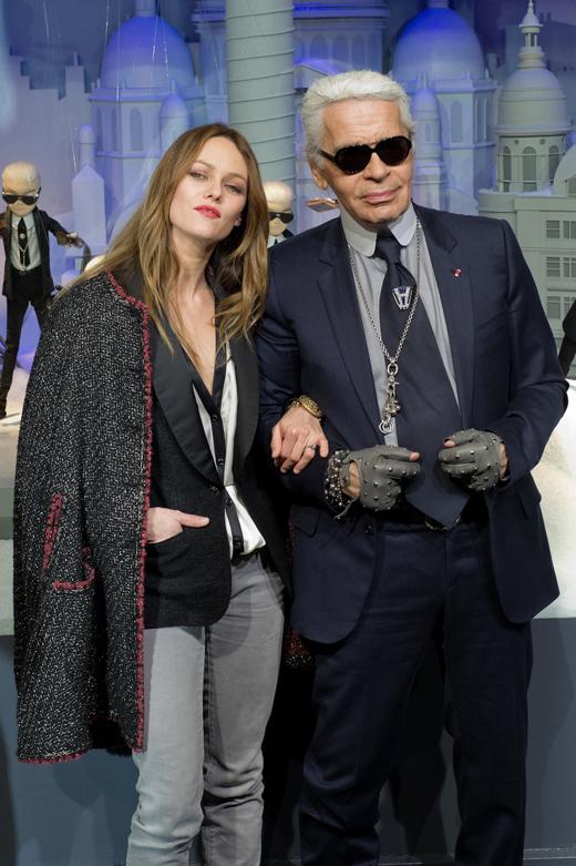 Ванесса Паради (Vanessa Paradis) и Карл Лагерфельд (Karl Lagerfeld) / © Frederic Legrand – COMEO / Shutterstock.com