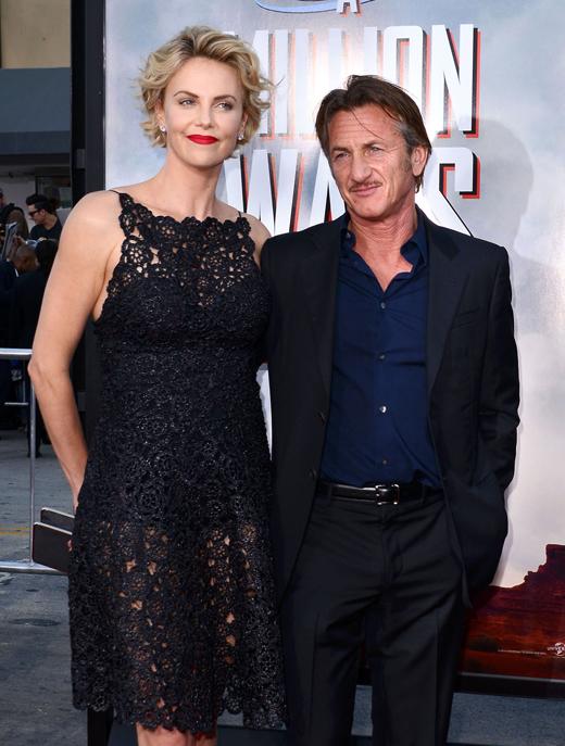 Шарлиз Терон (Charlize Theron) и Шон Пенн (Sean Penn) / © Tinseltown / Shutterstock.com