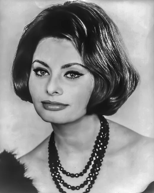 Черно-белое фото Софи Лорен (Sophia Loren)