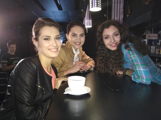 Виктория Корлякова, Анна Орис на съемках сериала «Последний мент» с Гошей Куценко в главной роли.