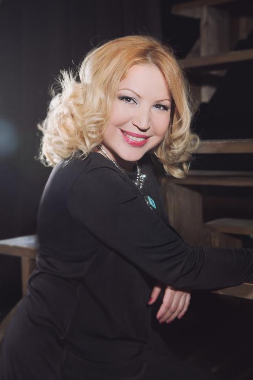 Педагог по вокалу Юлия Артемова