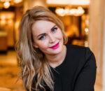Обозреватель Ольга Светлая
