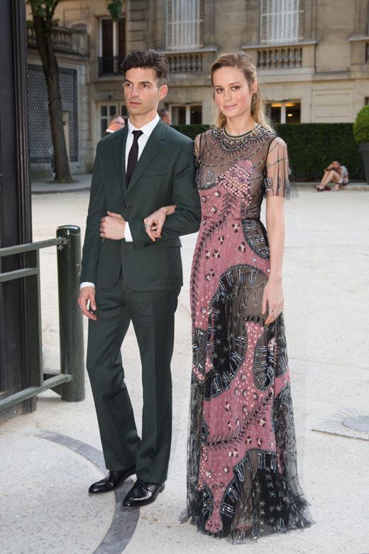 Бри Ларсон на Неделе моды в Париже