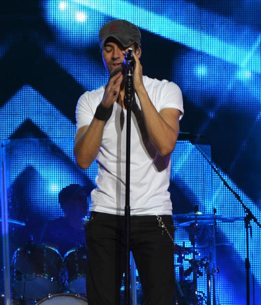 Испанский певец Энрике Иглесиас (Enrique Iglesias)