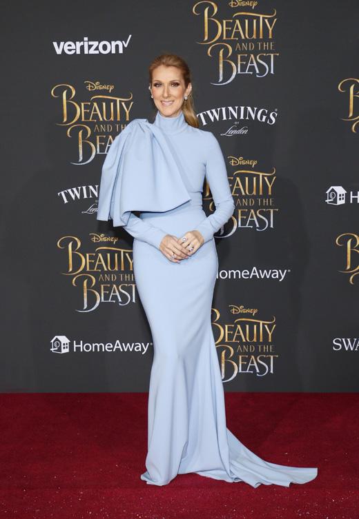Селин Дион в голубом платье