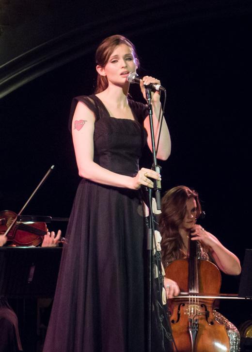Британская певица Софи Эллис-Бекстор